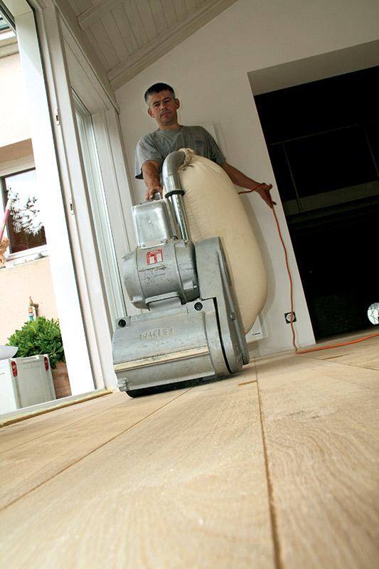 R novation parquets et escaliers parquet tecknico for Poncage parquet chene