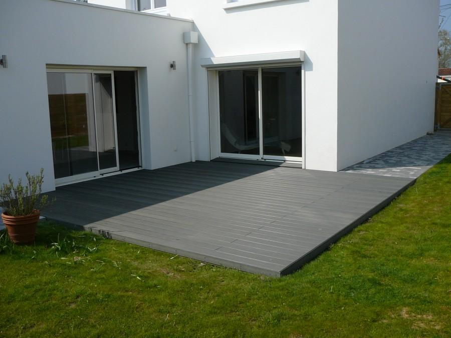 Terrasse composite réglisse